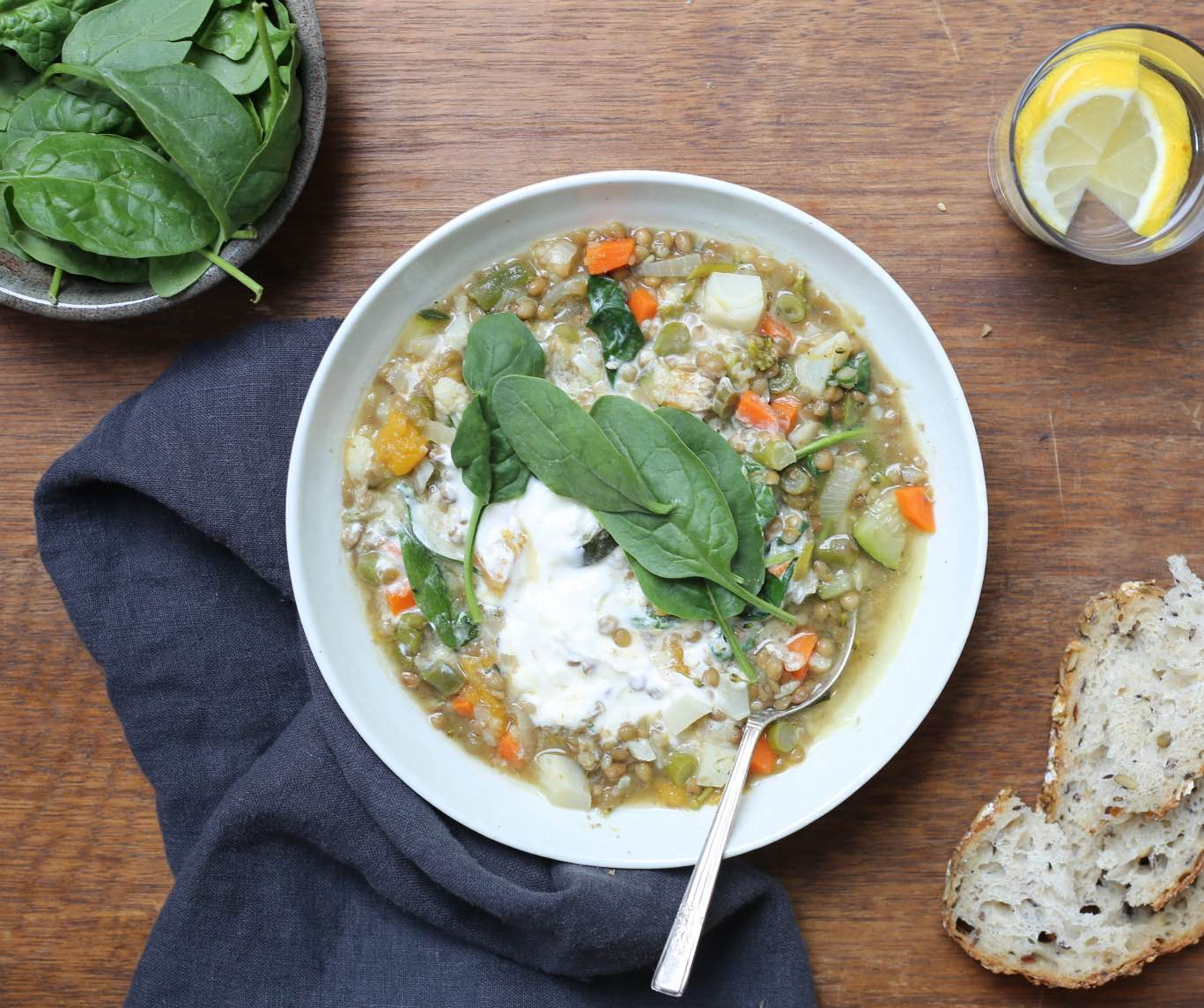 Lentils with vegetables and yoghurt